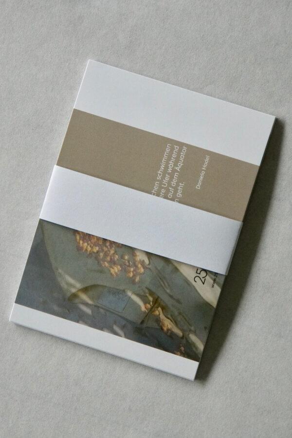Postkarten GEMEINSAM KLEIDSAM mit Lyrik von Daniela Hodel für die Sommerkleider von 25° plus Zürich